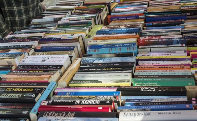 Bogklub 2020. Bogklub - Bøger på bord